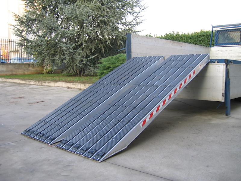 Rampes de Chargement pour voies en acier avec revêtement en caoutchouc- 720mm