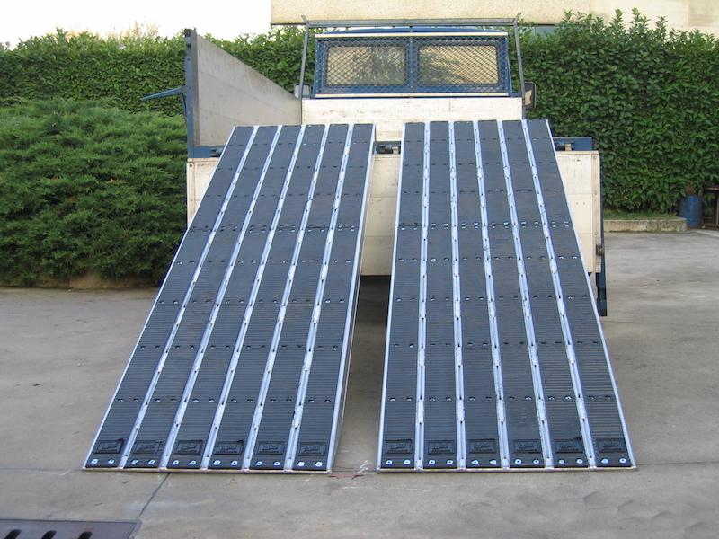 Rampes de Chargement pour voies en acier avec revêtement en caoutchouc- 480mm