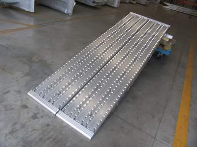 Série 130F  - Rampes de Chargement surface fraisée pour Chenilles en Acier - 450mm