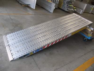 Série 130F - Rampes de Chargement surface fraisée pour Chenilles en Acier - 600mm